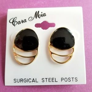 Vintage black and gold earrings post studs